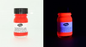 Fluorescent Red Varnish