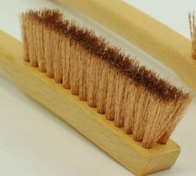Brush with long handle, bronze wire, 0.15/20 mm